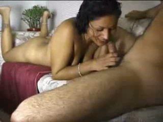 Indijke amaterke gal cocksucking shaft