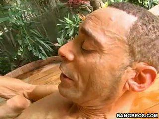 ชม สีน้ำตาล ออนไลน์, ในอุดมคติ เพศไม่ยอมใครง่ายๆ ที่ร้อนแรง, ระเบิดงาน เห็น
