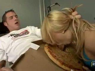 Madison ivy fucks ο πίτσα guy